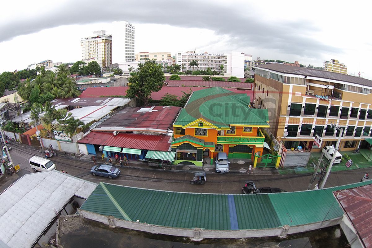 Donald-Apartelle-Surla-Street-Angeles-City-001