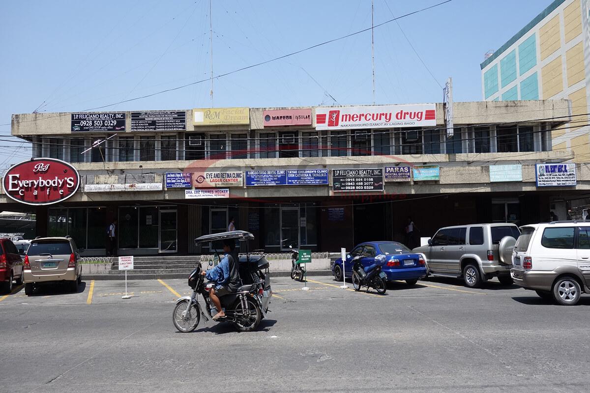 Everybodys-Cafe-Teresa-Street-Angeles-City