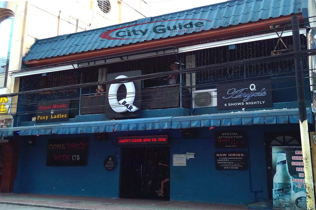 Q-Bar-Walking-Street-Fields-Avenue-Angeles-City