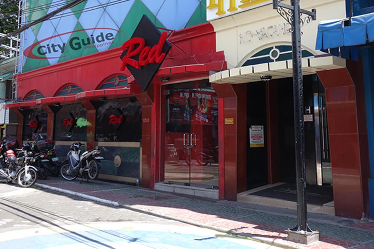 Red-Bar-Walking-Street-Fields-Avenue-Angeles-City