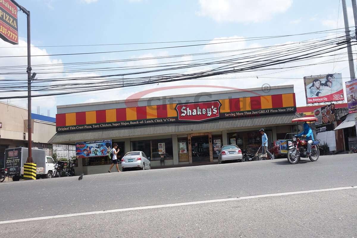 Shakeys-Restaurant-Dau-Mabalacat-City